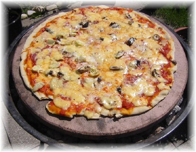 pizza vom holzkohle grill wie geht das denn pizzastein shop original pizzastein. Black Bedroom Furniture Sets. Home Design Ideas